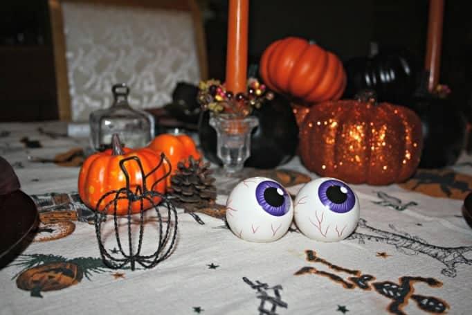 eyeball salt and pepper shakers