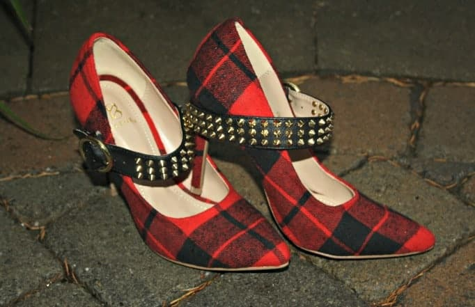 shoe dazzle plaid pumps