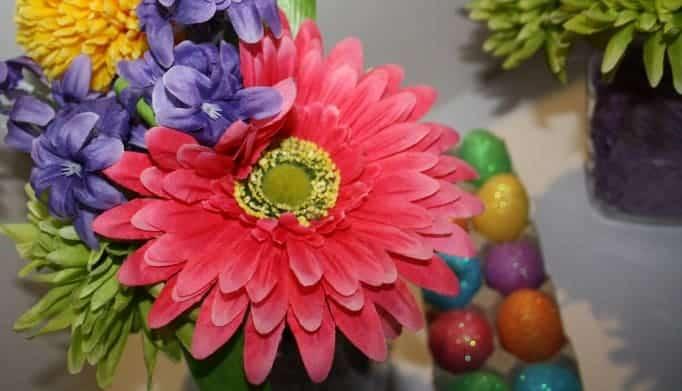 Mason Jar Easter Vases, flowers, lids and mason jars