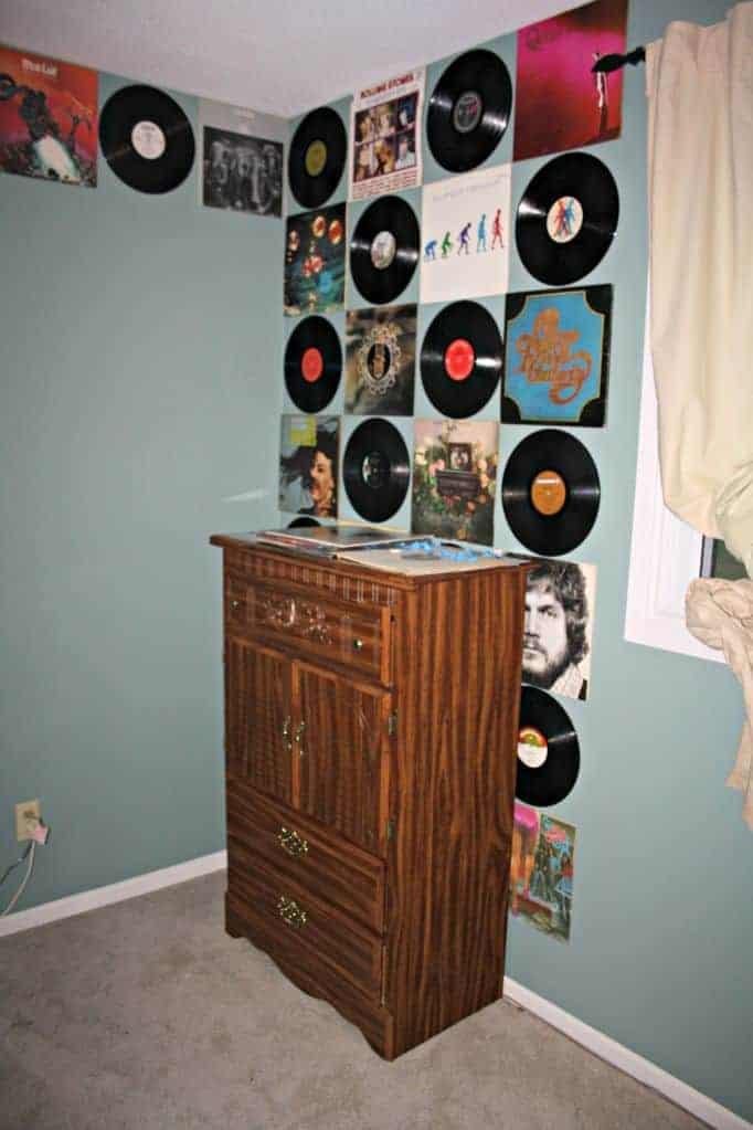 creating a vinyl wall
