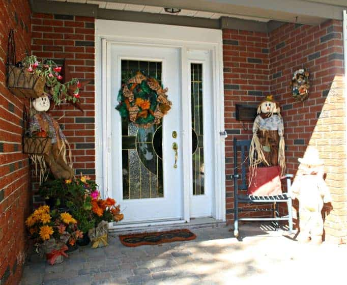 floral and scarecrows for fall
