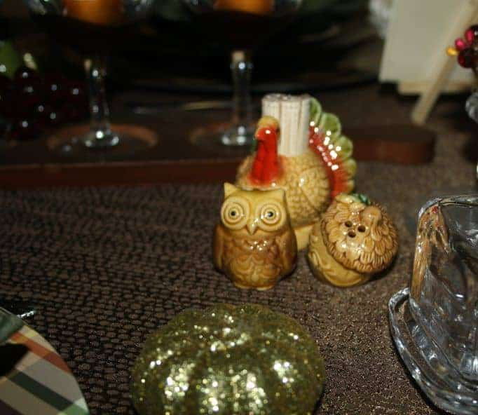 owl and acorn salt and pepper shakers