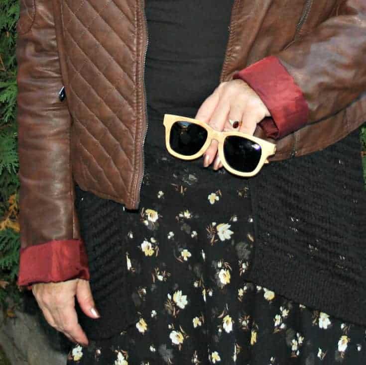 konifer wooden sunglasses