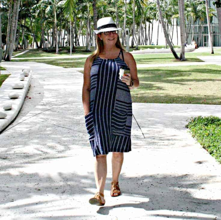 Old Navy Linen Shift Dress, lace up sandals and a Fedora