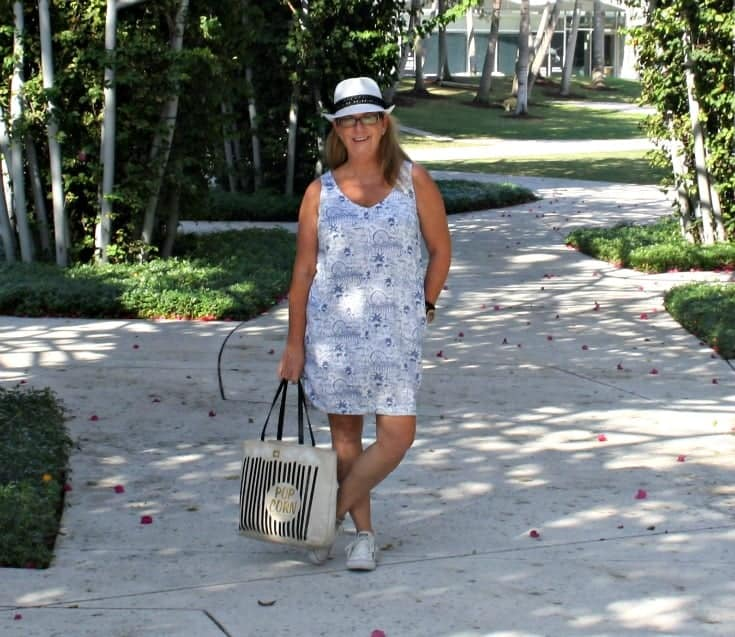 soundscape Park in an Old Navy Linen Sheath Dress, Fedora and Converse i