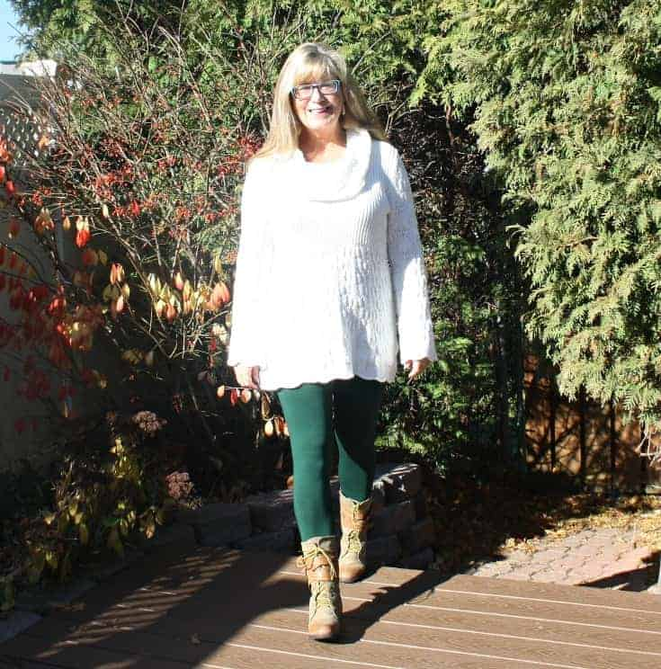 Bright Friday sunshine in Suri Forest Green Leggings, Hudsons Bay Company Tunic and Giant Tiger Boots