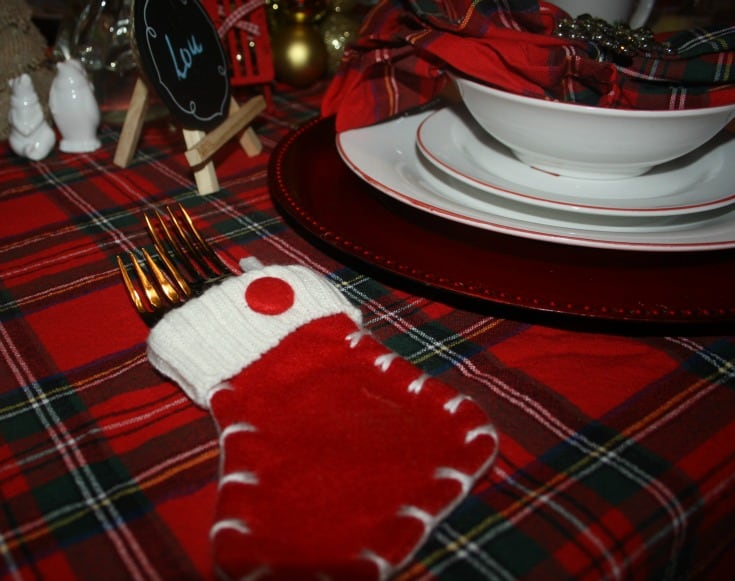 Christmas Tablescapes in plaid 8