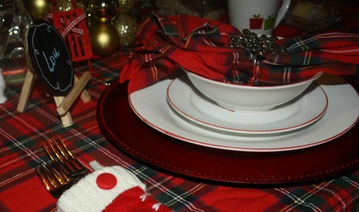 Christmas Tablescapes in plaid 11