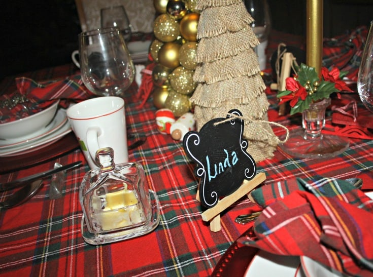 Christmas Tablescapes in plaid 9