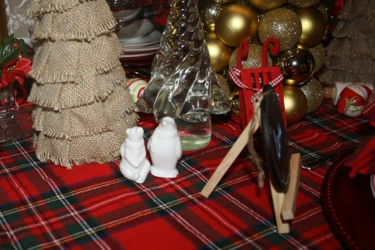 Christmas Tablescapes in plaid 10