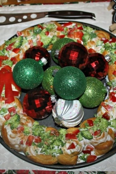 Pillsbury Croissant Wreath for Christmas