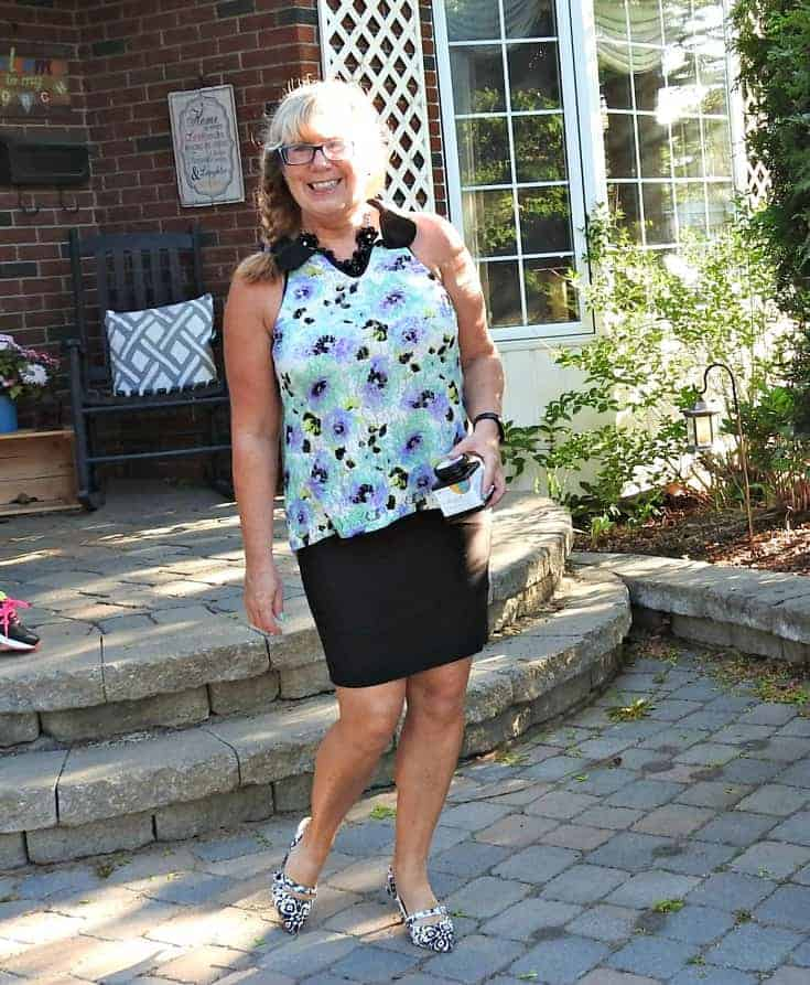 Styling my floral Ricki's Top with my custom Rita & Phill skirt and shoe dazzle floral kitten heels