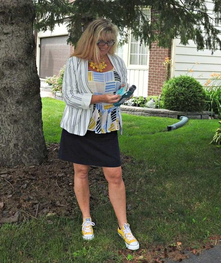 Old Navy Outfit with yellow converse