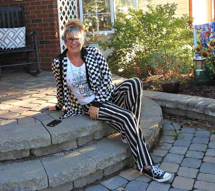 Forever 21 wide leg stripped pants and checked blouse with converse