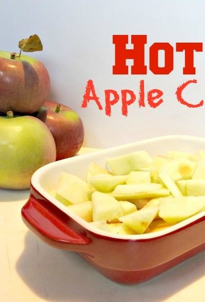 The Easiest Hot Apple Crisp just in Time for Fall Days
