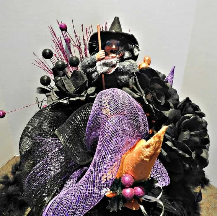 Halloween Spooky witch centrepiece