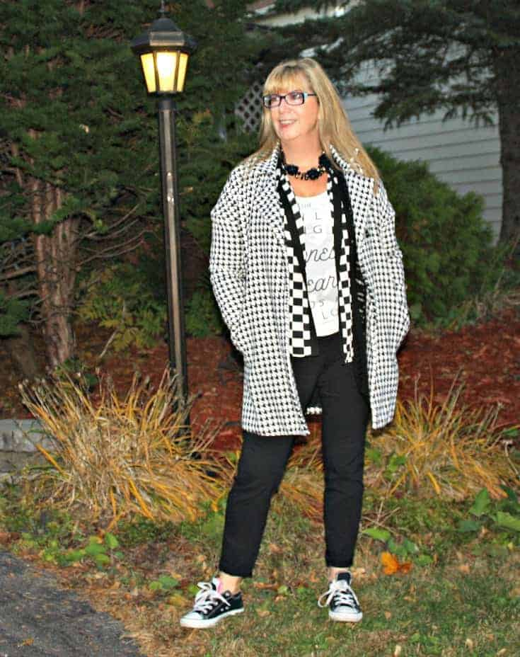 shein coat and old navy joggers with converse