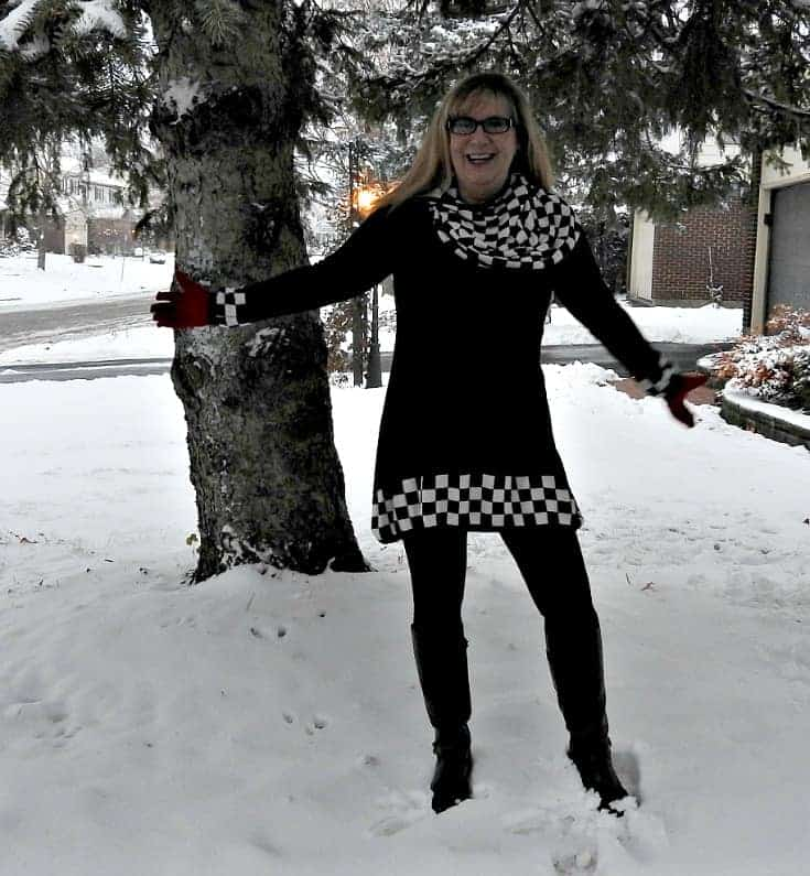 Fecbekblack and white tunic with GH Bass Boots and Giant Tiger knit leggings