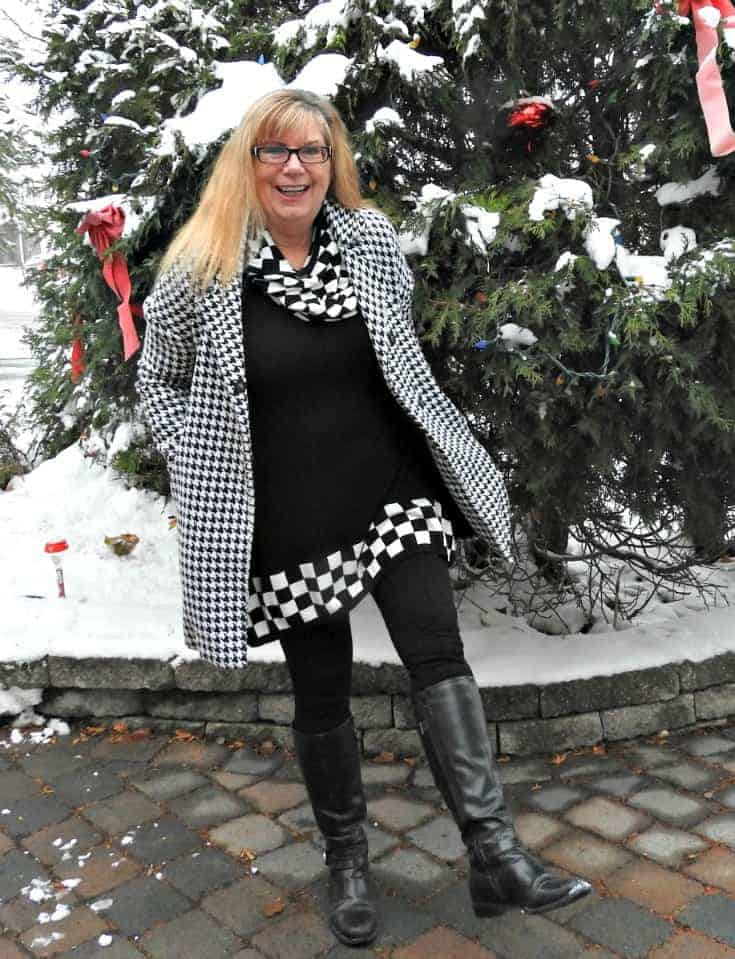 Fecbek black and white tunic with GH Bass Boots, Giant Tiger knit leggings and a Shein Coat