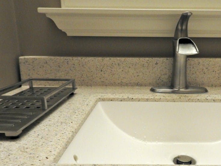 VERO™ vanity tray and the Delta Faucet Tap