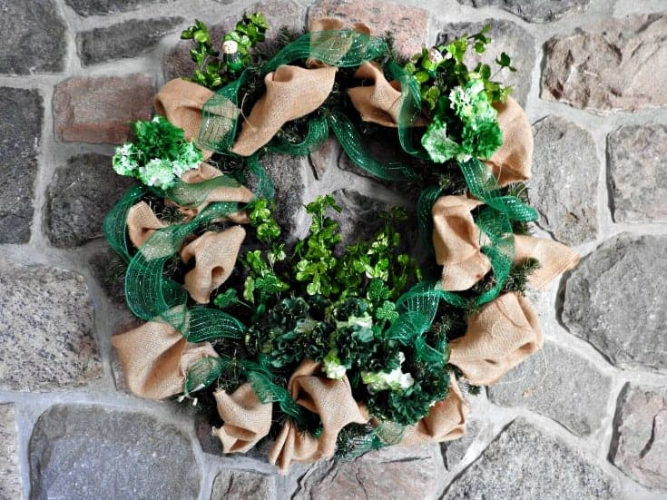 st paddys day fireplace wreath