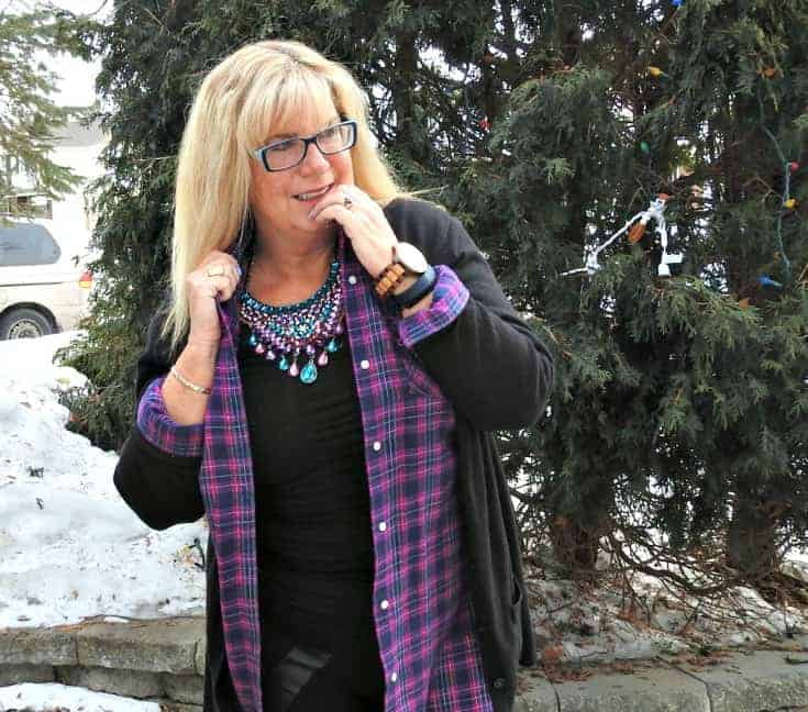 Svelte leggings, Old Navy flannel and cardigan for travel outfits and 7 Charming sisters bib necklace