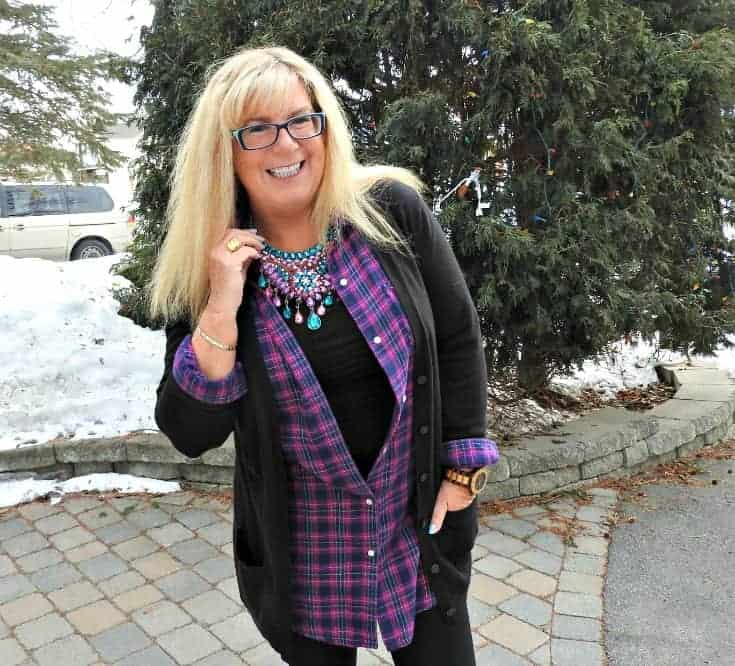 leggings, flannel and cardigan for travel outfits plus an amazing 7 charming sisters necklace
