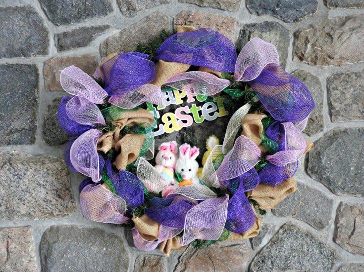 hoppy Easter Decomesh wreath