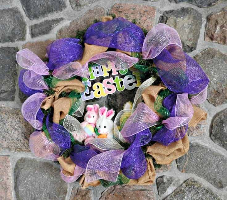 Decomesh wreath for Easter