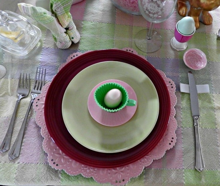 easter place setting with pink charger