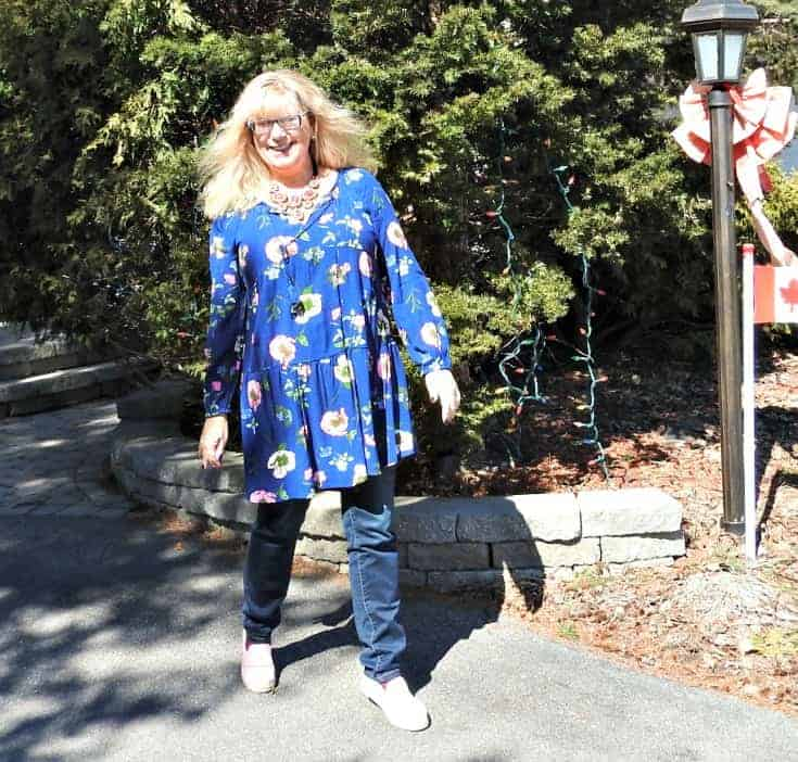 Old Navy Floral Dress and Haggar Jeans with 7 charming sisters necklace