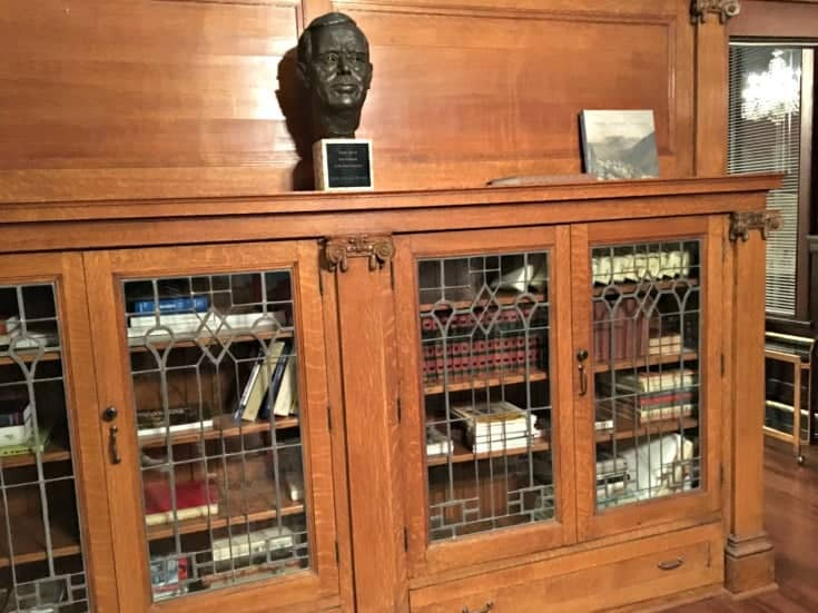 book shelf in Parlour room at the Czech Embassy