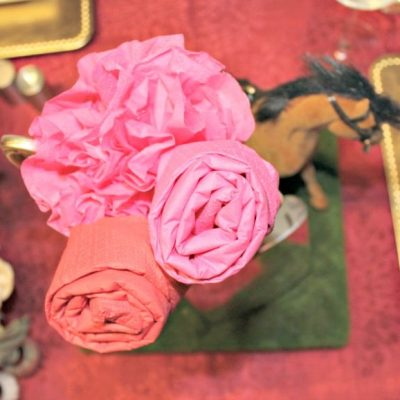 Gold Horses and Red Roses for a Kentucky Derby Tablescape