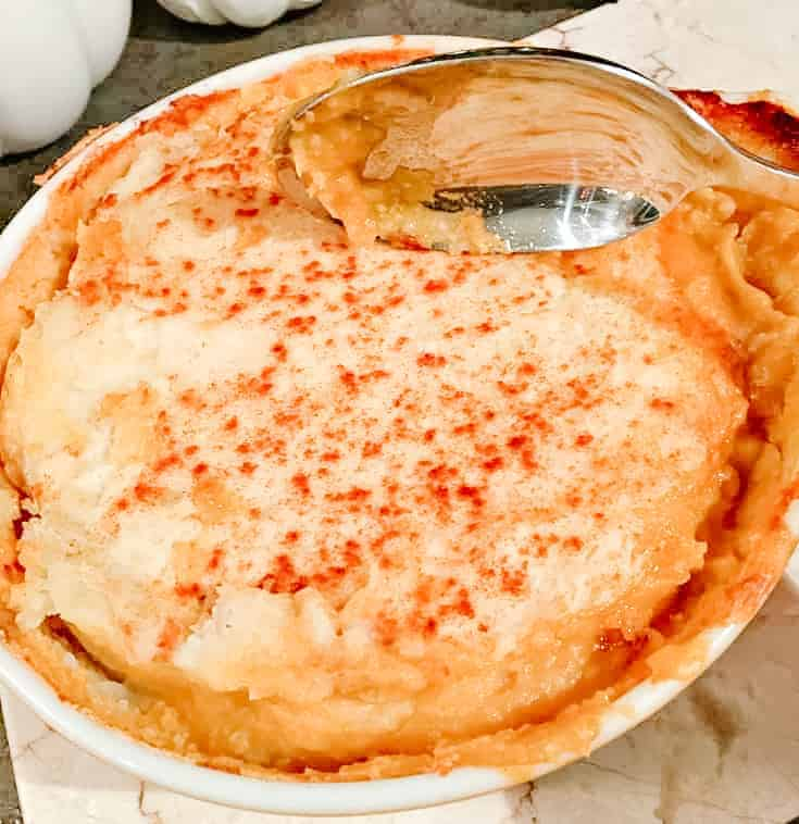 casserole dish filled with shepherds pie
