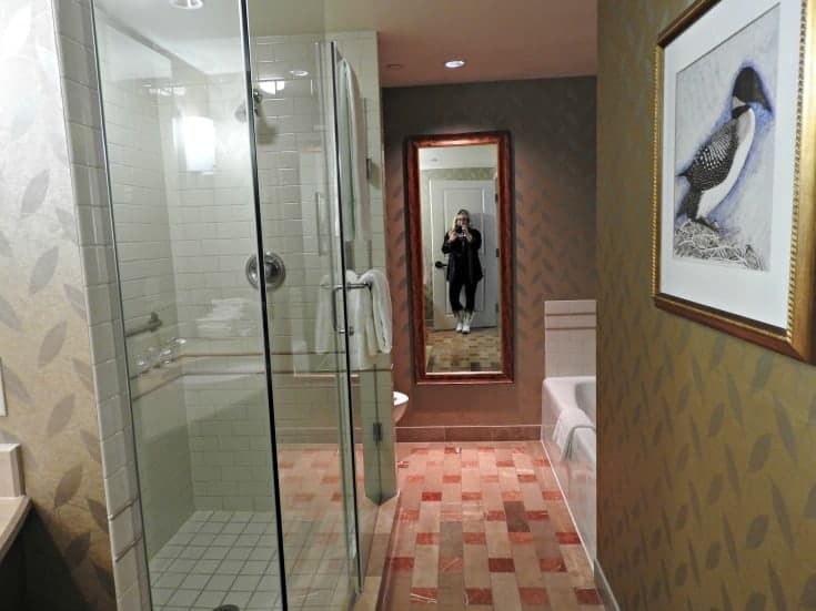 bathroom in the deluxe suite at Casino Rama