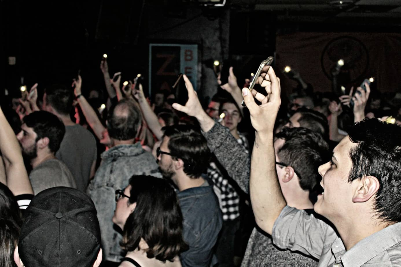 crowd at Zaphods for the Honest Heart Collective