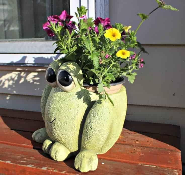 Precious Moments Garden Collection hop to it