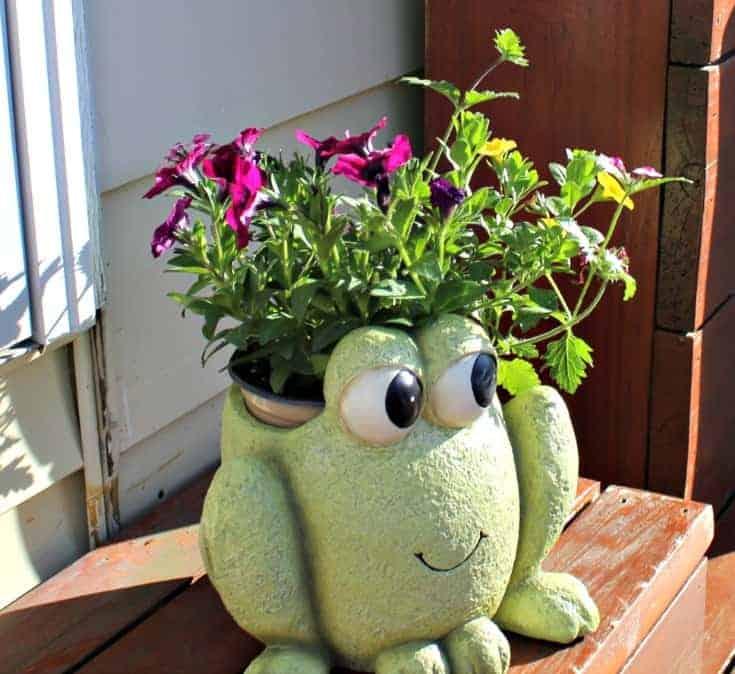 Precious Moments Garden Collection The Frog