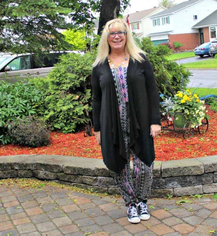 Tribal jumpsuit, lace cardigan and black converse