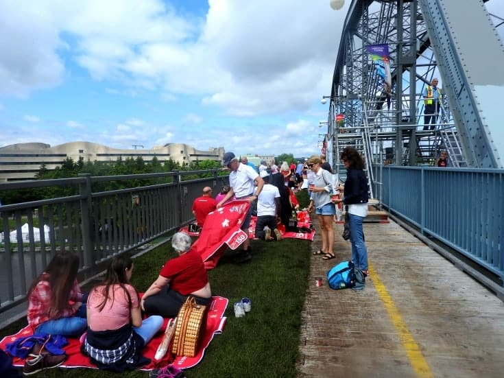 Picnic on the Bridge 2