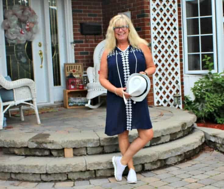 Lily Morgan Crinkle Dress in blue from Giant Tiger and the Flex Appeal Skechers in gold and white