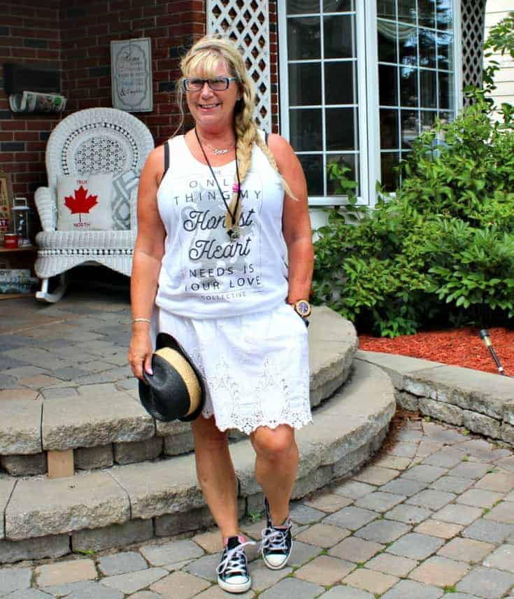 Honest Heart Collective Tank and white lace skirt with converse and a fedora for Bluesfest