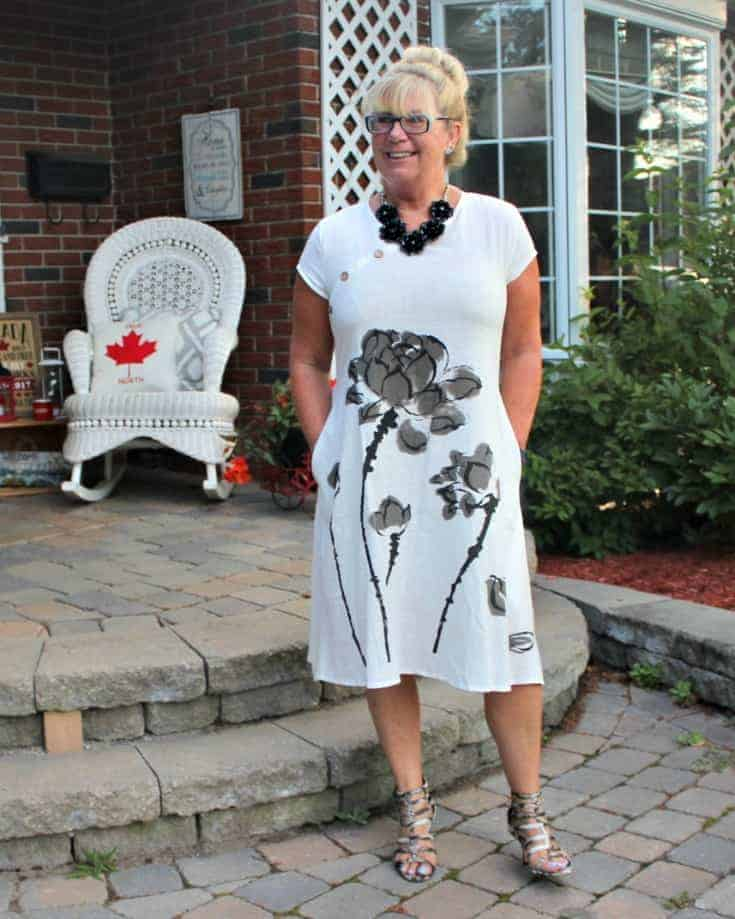 Fashion Mia White Linen Shift with gladiator sandals from Shoe dazzle