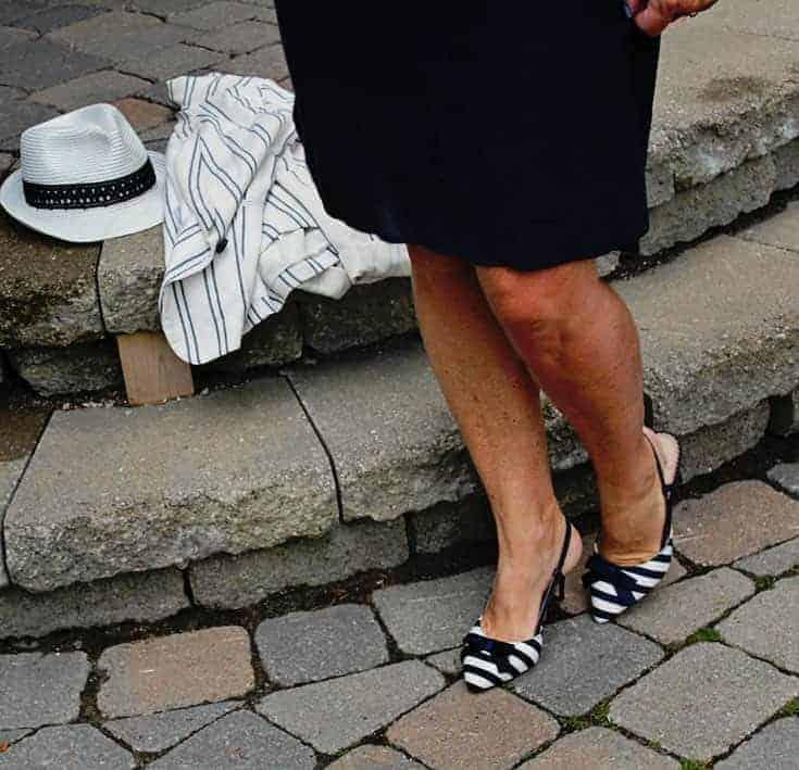 Shoe dazzle stripped slingbacks