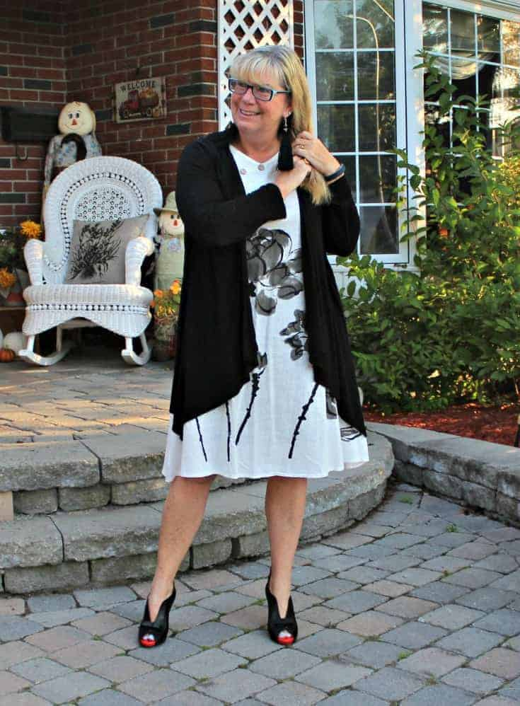 white linen dress in the fall plus custom made shoes from Ruby Blues Winery 9