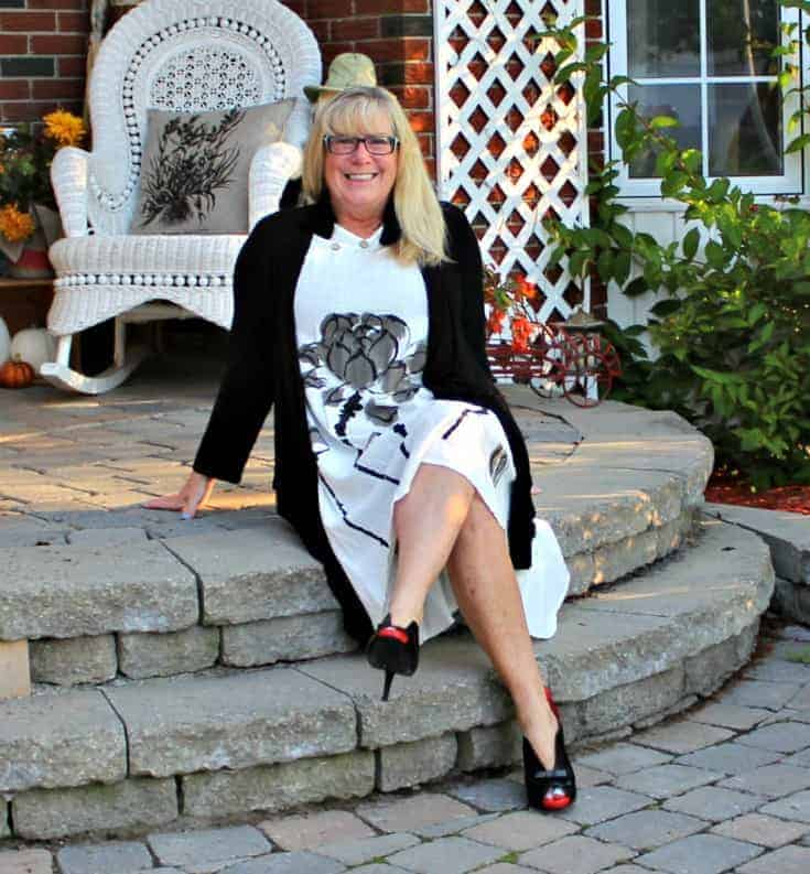 white linen dress in the fall plus custom made shoes from Ruby Blues Winery 7