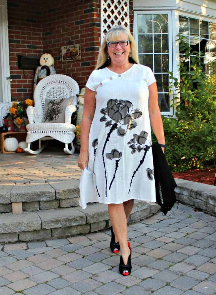 white linen dress in the fall plus custom made shoes from Ruby Blues Winery 4