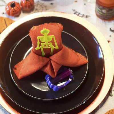 Ghoulish Halloween Table