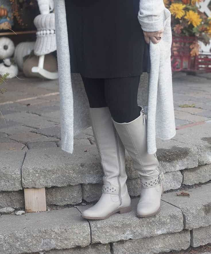 shoe dazzle grey boots