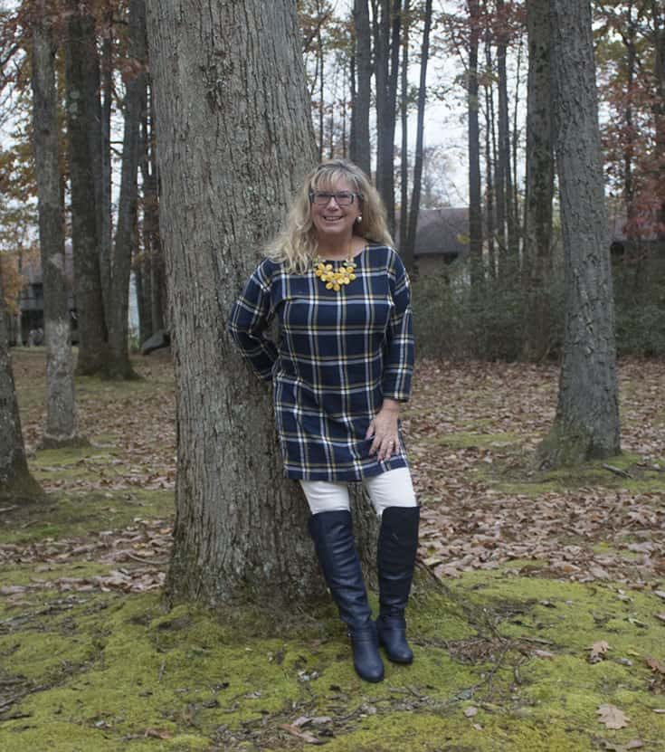 Old Navy Tunic , white denims and Navy Shoe dazzle OTK boots